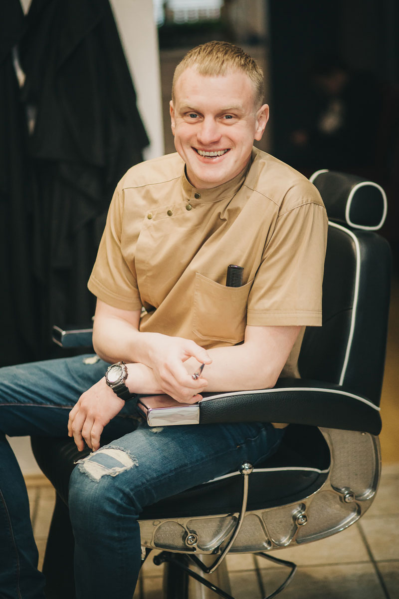 Barber SERGEI KONOKHOV